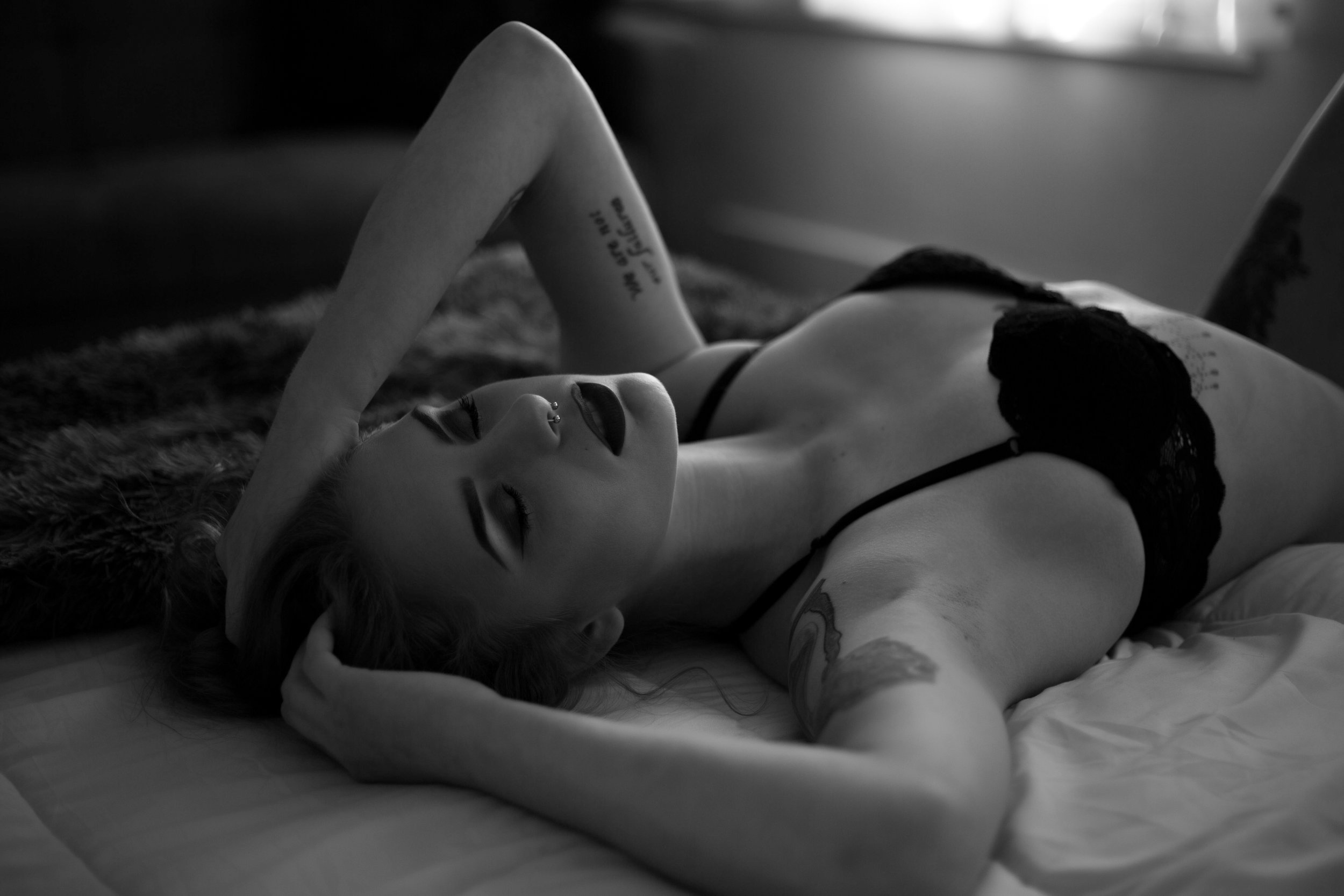 FAQ - Learn about how a boudoir session works, what it includes, how much the investment is.