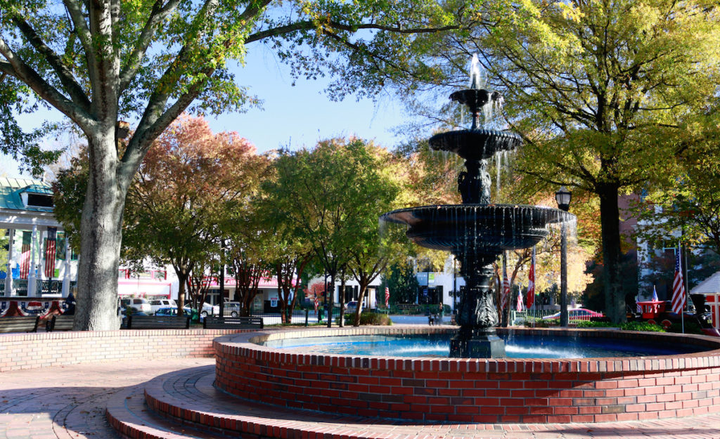 marietta-square-weekly-events-1024x625.jpg