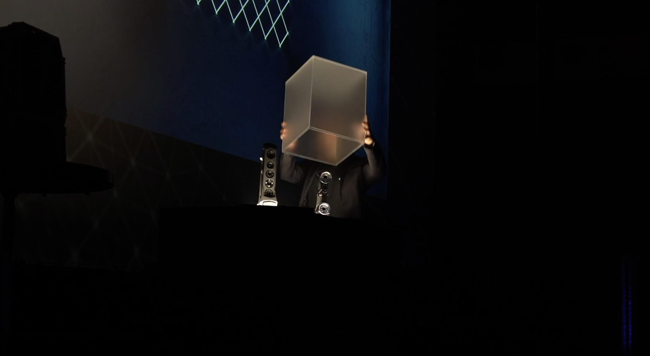Création et fabrication d'une station et d'un cube lumineux pour dévoilement de produit