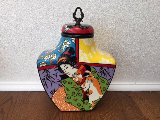 japanese urn back 1.jpg