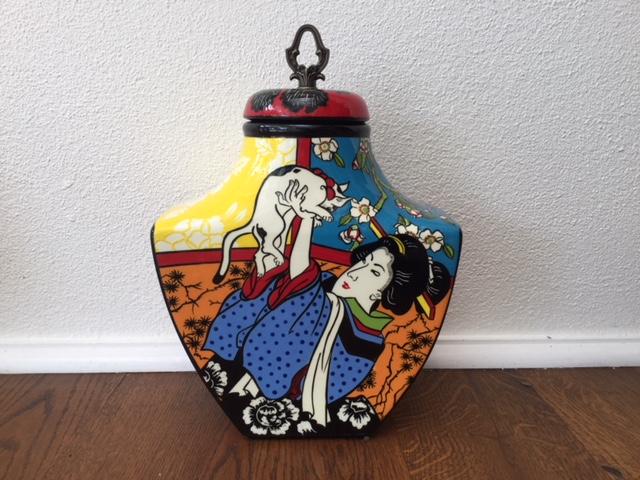 japanese urn front 1.jpg
