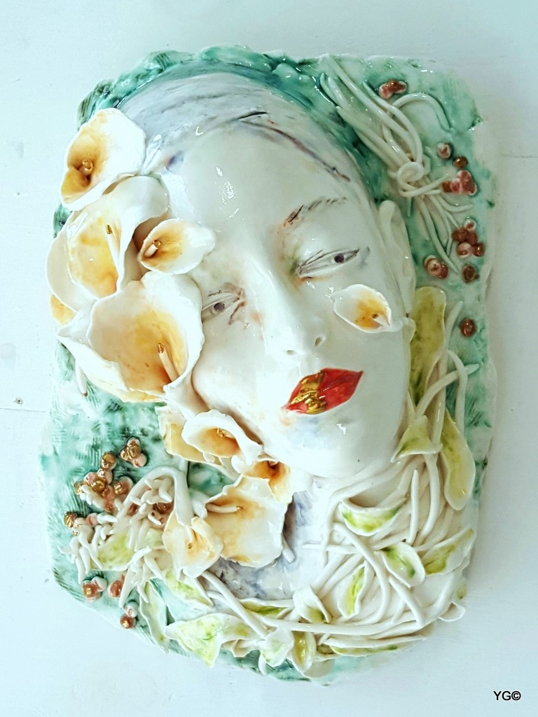 Wafting with Scented Flowers-porcelain
