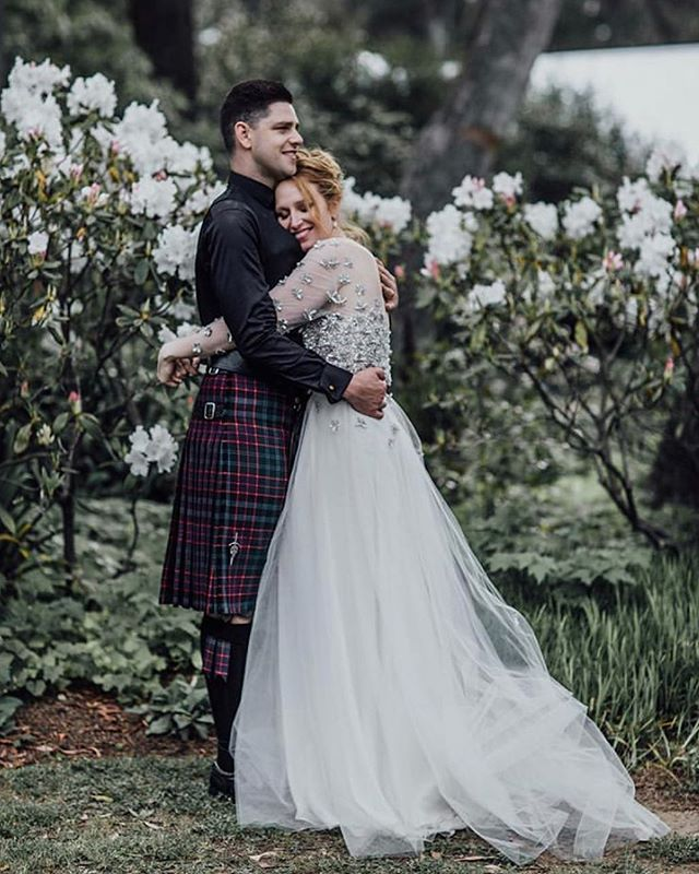 Emily + Joel // flipping the classic country wedding on its head with their unique and edgy vibes 🙌🏻 . . What a beautiful couple ♥️ . Photography @sonjacenic  Lakeside Garden Florals @botanicastyleco Dress @tanyaanicbridal Celebrant @shannonthecivilcelebrant  Makeup @lauravazquezmkup  Hair @jojo_smith . . . #vibetribe #crew #southernhighlandswedding #coolkids #wedding #modernbride #countrywedding #bride #bridesmaid #southernhighlands #bridalparty #blush #silk #edgy #wombathollowwedding #sundayfeels #weddingphotography