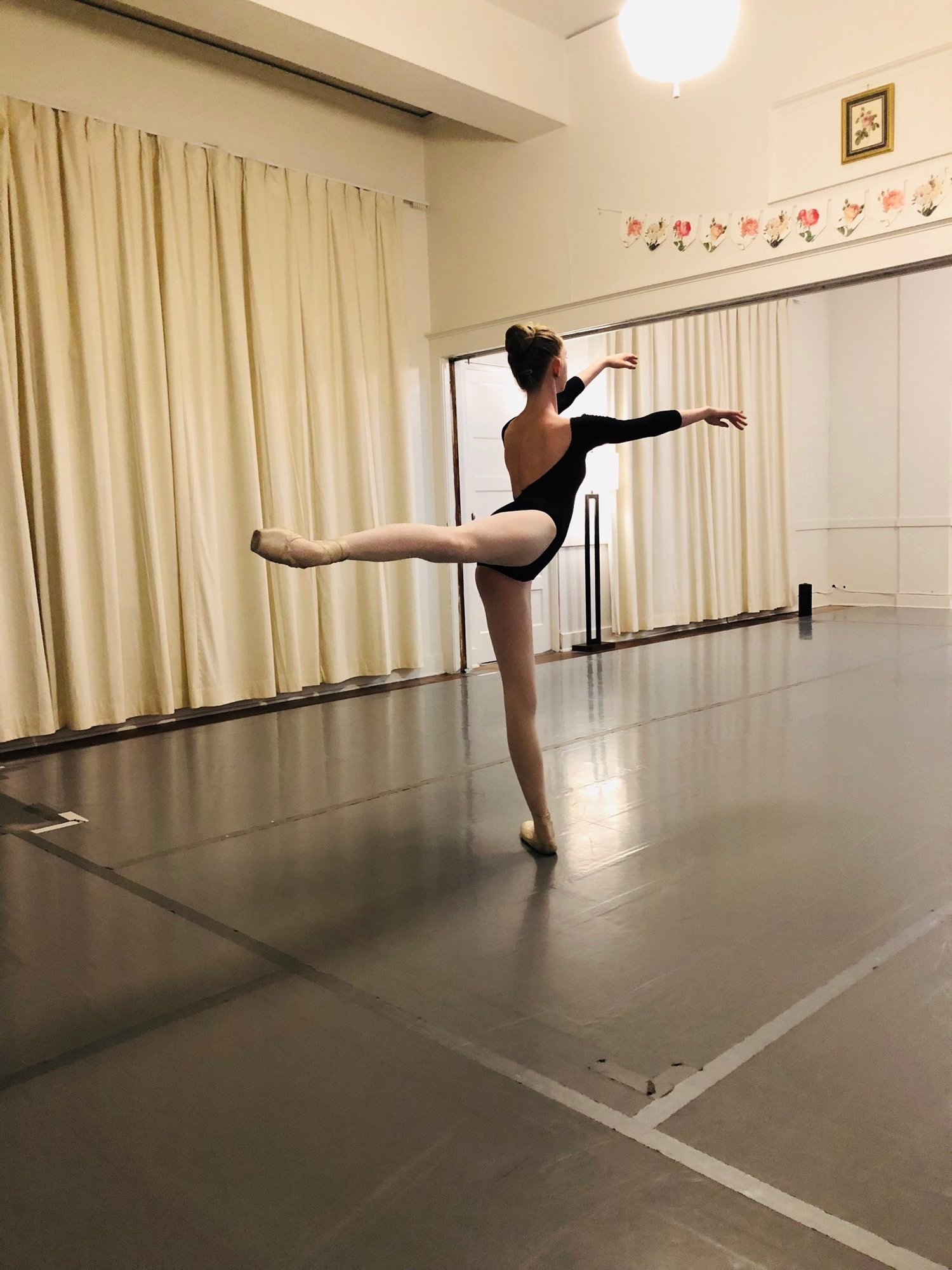 Level 3 - INTERMEDIATE (ages 12-14)Find your ballet voice. This series of classes is designed for the dancer seeking excellent dance career training as well as the passionate dancer who enjoys high-quality ballet as recreation. Registration for Level 3 is only available to dancers who have completed Level 2 classes at RCBS.Once 3b is completed, dancers graduate from RCBS & attend pre-professional or recreational classes all over. RCBS Alumni have been accepted into programs & companies like Oregon Ballet Theatre School, Jefferson Dancers, Bodyvox's Junior Artist Generator as well as many summer intensives including Dance Theatre of Harlem's program in NYC.