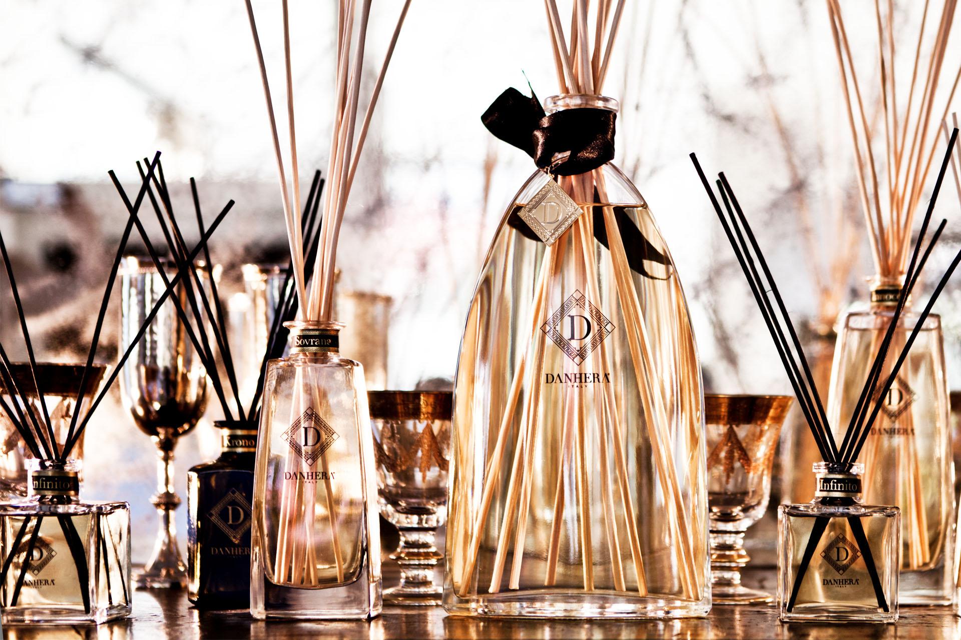 Atmosfera - Les parfums d'Atmosfera ont été crées pour habiller les grands évènements artistiques : la musique, la littérature y sont racontés comme jamais auparavant.