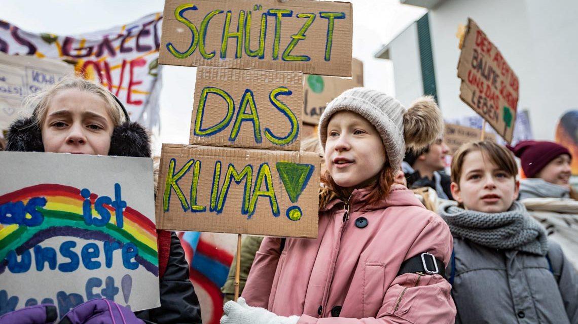 Gegen Klimawandel protestierende Kinder: Auch eine Gefahr für das Weltklima?