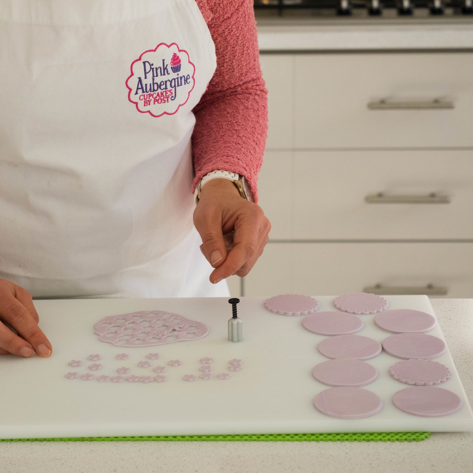 Personalised Cupcakes By Post | Handmade Cupcakes | Pink Aubergine Cupcakes