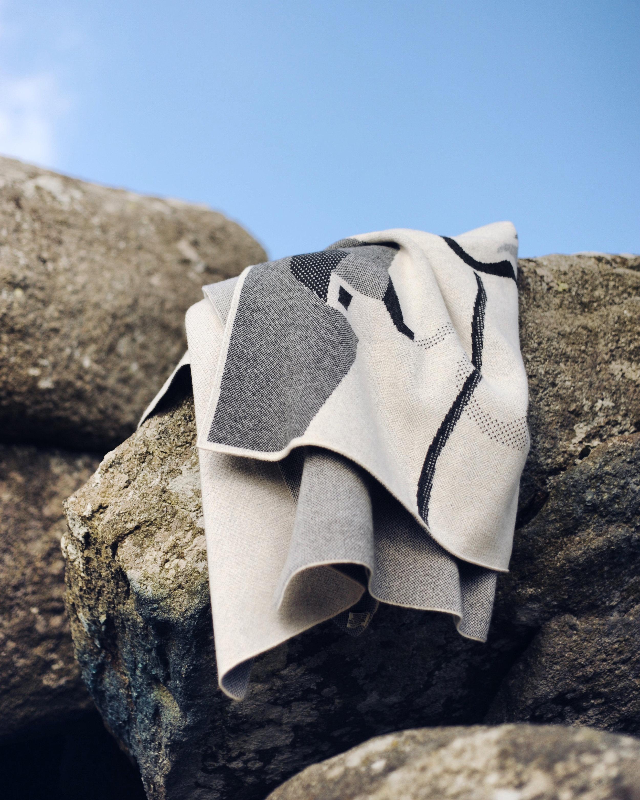 Feldspar, charcoal moor blanket on Tor