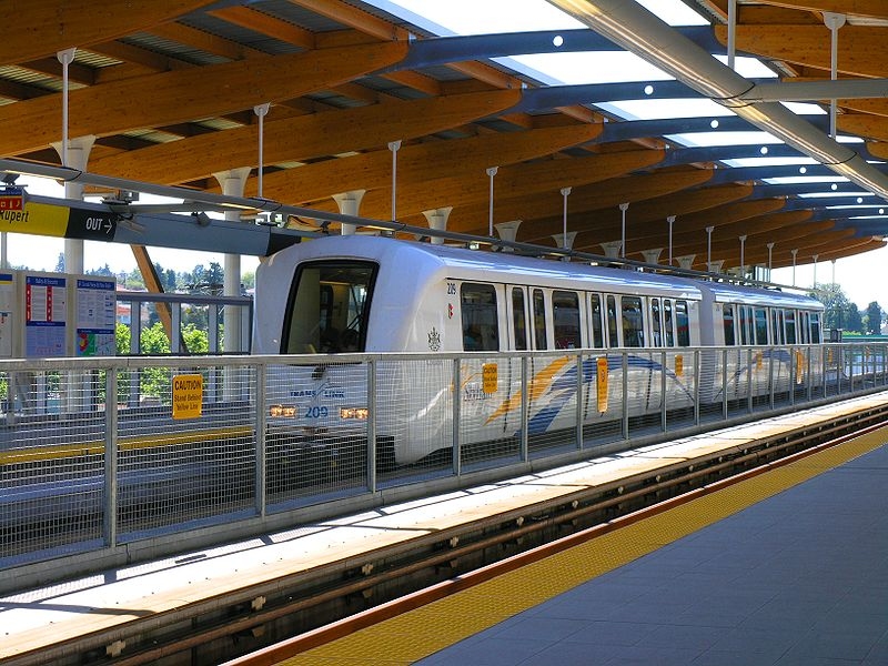 800px-Vancouver_Skytrain_Rupert_station_train.jpg