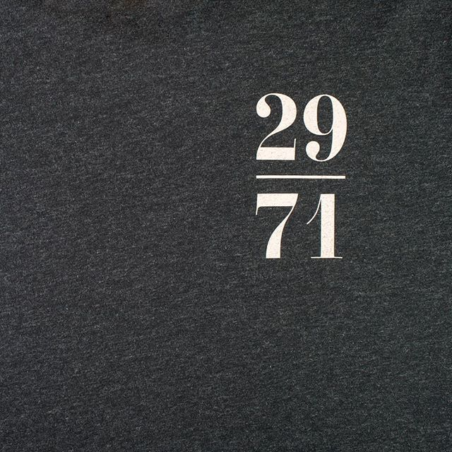 29/71: Charcoal⠀ ⠀ All of our t-shirts are made of 100% organic cotton. The design is hand screen printed in a single colour, ensuring a fine detailed finish.⠀ ⠀ #2971freediving #2791 #freediving #freediver #apnea #tshirt #organic #scuba #dive #underwater #onebreath #webshop #shop
