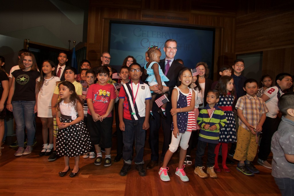 Los Angeles Mayor Eric Garcetti promotes citizenship at a children's naturalization ceremony