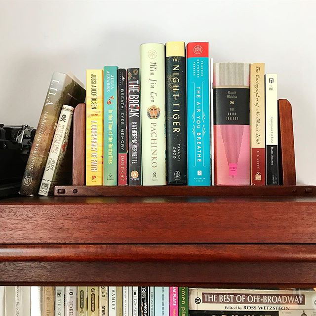 My current #TBR stack!  I posted back in January about my personal goal of having 100% TBR turnover from one year to the next.  2019 is more than halfway over and I've read (or DNFed and removed) most of the books that were on this shelf on January 1st.  The ones I need to read in the coming months are: 📖 The Air You Breathe by Frances de Pontes Peebles 📖 The Night Tiger by Yangsze Choo 📖 The Cairo Trilogy by Naguib Mahfouz 📖 Pachinko by Min Jin Lee 📖 The Cartographer of No Man's Land by P.S. Duffy 📖 Cuentos de Eva Luna by Isabel Allende 📖 The Door by Magda Szabo (not pictured)  How many books are currently on your TBR, and how do you choose your next read?  #readtheworld #igreads #toread #bookshelf