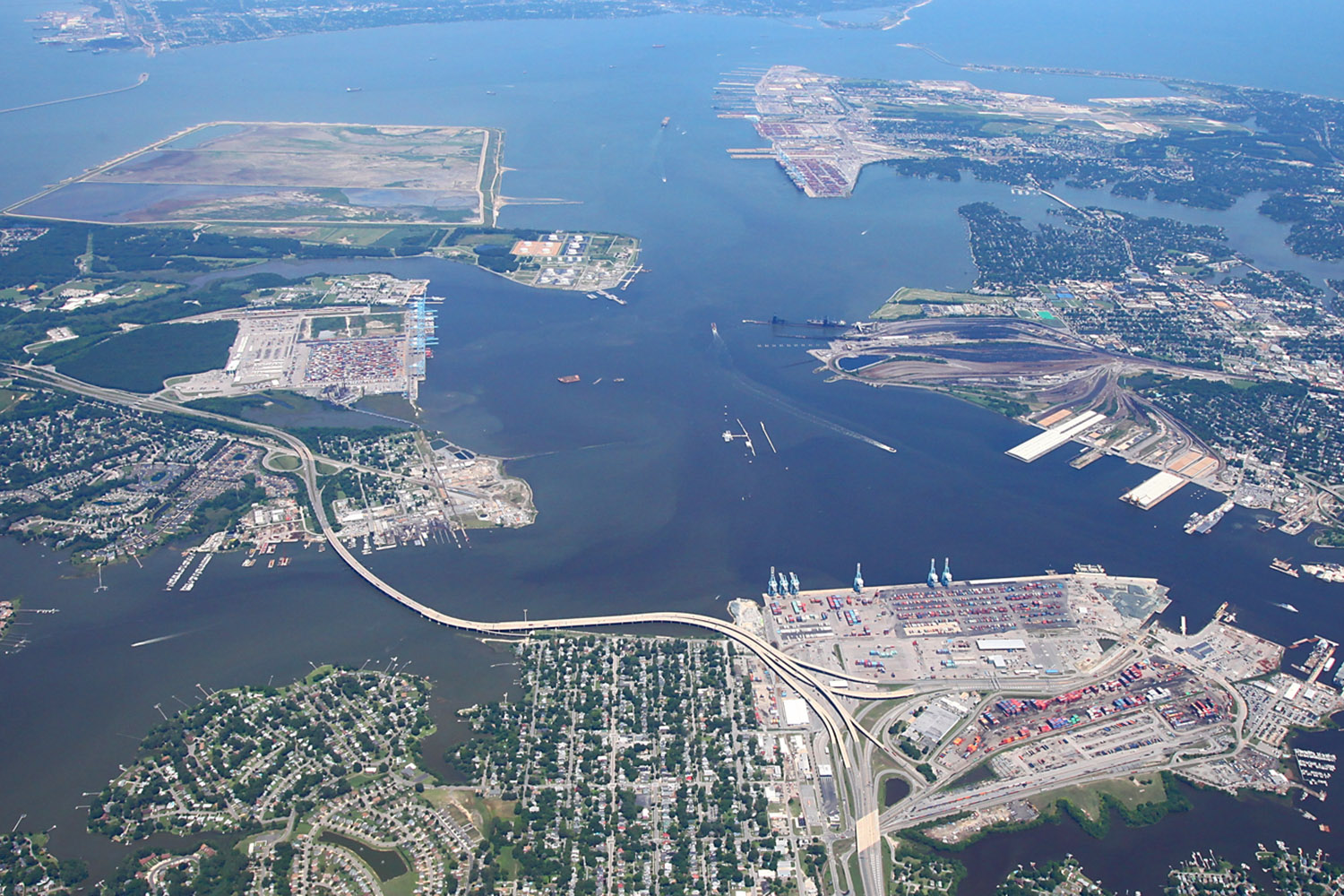 Unrestricted Air Draft Waterways - Virginia port facilities have direct access to sea with no overhead obstacles to impede the shipping of large and upright infrastructure and components, an advantage that differentiates it from every other East Coast state.