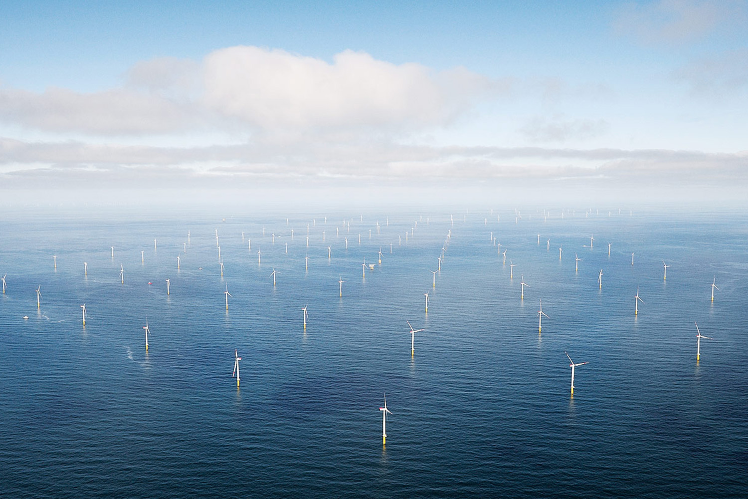 Strategic Geographic Location - With commercial offshore wind leases located off the coasts of NJ, DE, MD, VA, and NC at a travel time of less than 20 hours by installation vessels traveling at 10 knots, Virginia's port assets are strategically located in the Mid-Atlantic with direct open access.
