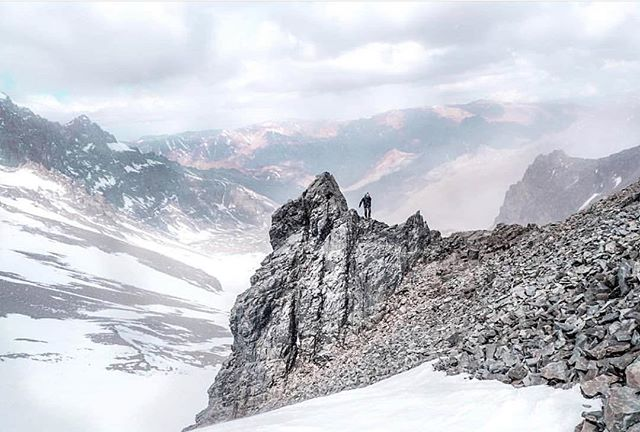This photo was taken on the highest mountain outside of the Himalayas, Aconcagua where physicist and mountaineer @eylenepirez is creating episode 1 of Access Chile, a science adventure series aimed at spreading science education. (Click the link in our bio to learn more) #accesschile #scienceliteracy #mountaineering