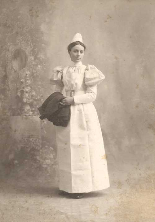2208_portrait_of_a_nurse_1889.jpg