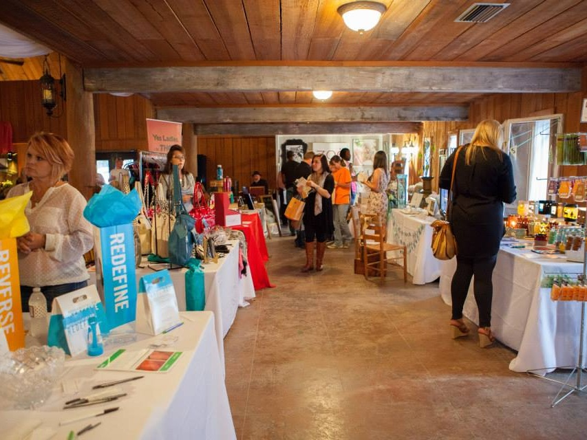 Bridal Savoir Faire vendor booths, Savory Catering, at the event hosted at Cypress Meadows.