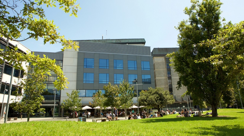 GRAFTON CAMPUS ATRIUM - Originally established as the School of Medicine, the Grafton Campus (opposite Auckland Hospital on the boundary of Auckland Domain) houses much of the faculty including a café, health services, and the Philson Library.The School of Medicine has its largest campus at Auckland City Hospital and is also spread throughout the North Island at various campuses and sites.