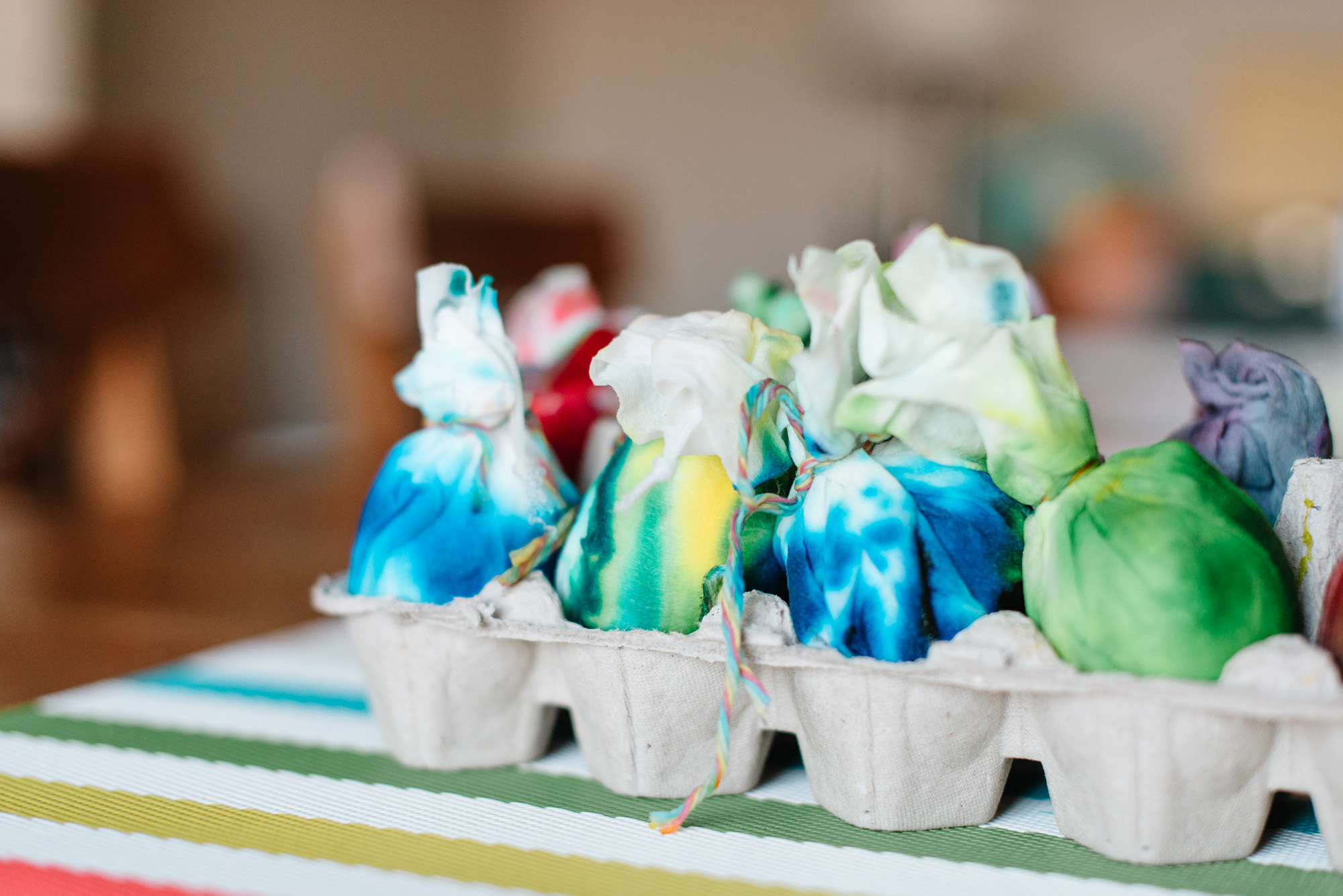 sara-wilde-collective-tie-dye-easter-eggs-food-colouring-19.jpg