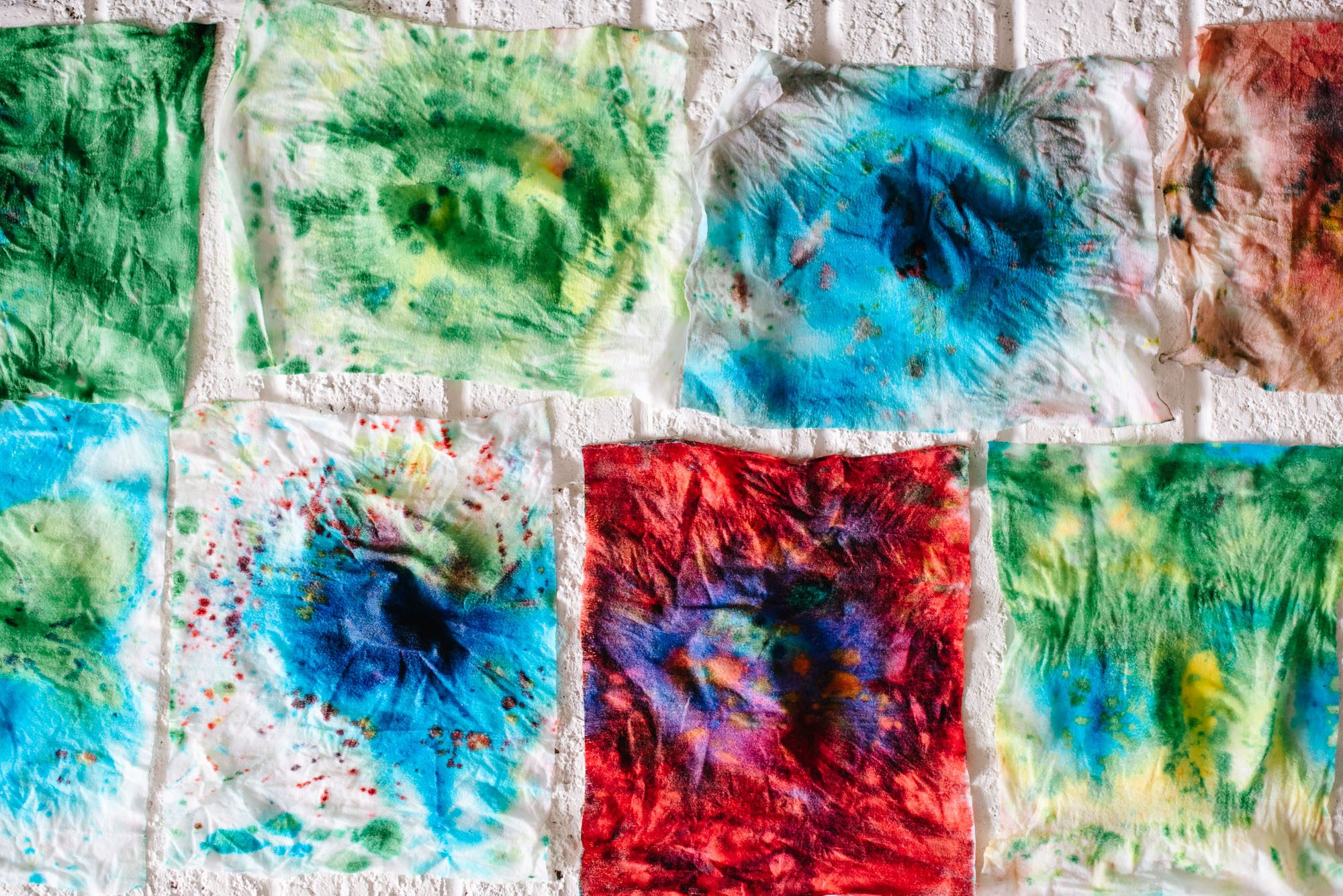 sara-wilde-collective-tie-dye-easter-eggs-food-colouring-1.jpg