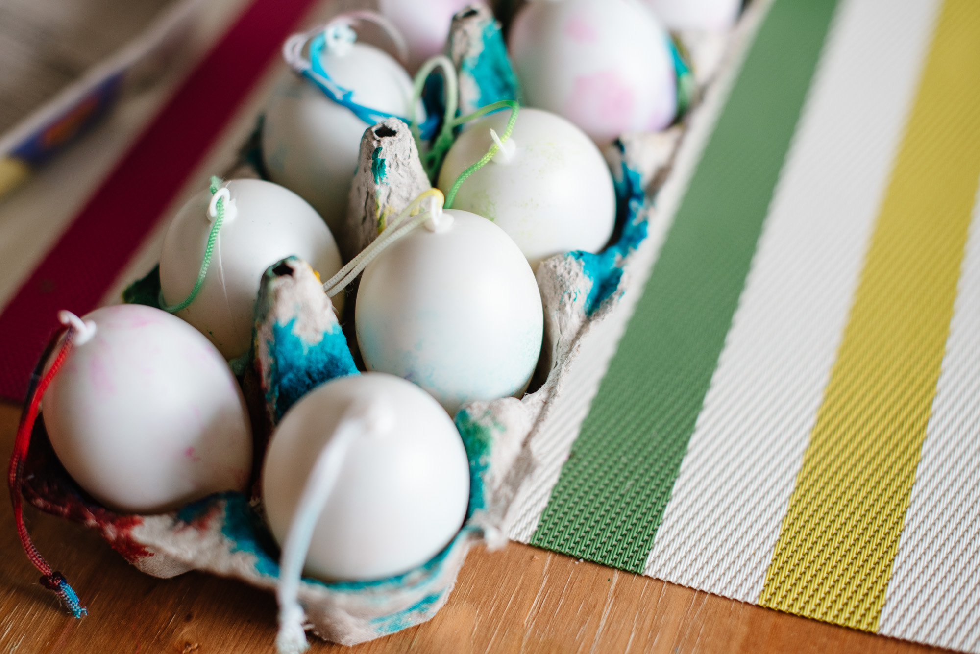 sara-wilde-collective-tie-dye-easter-eggs-food-colouring-2.jpg