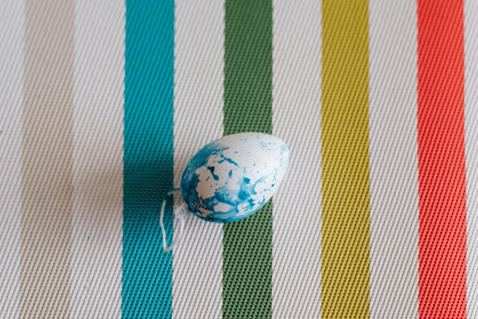 sara-wilde-collective-tie-dye-easter-eggs-food-colouring-16.jpg