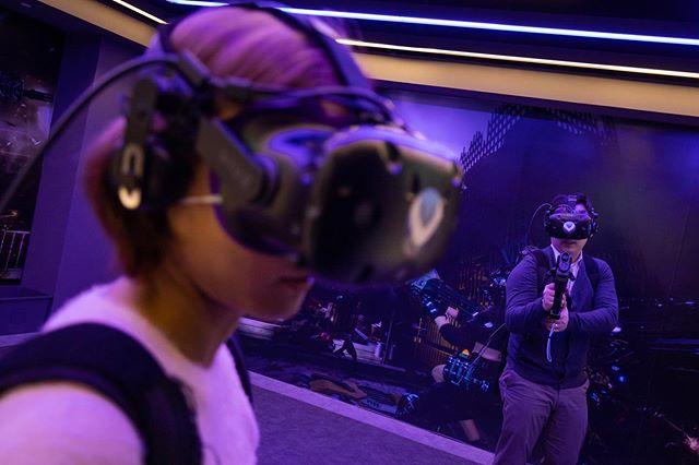 KT Corp. VRIGHT VR game zone in Seoul, South Korea. #onassignment @bloombergbusiness #vr #vrgame #kt #technologies #kt #seoul #korea #southkorea #vr체험 #케이티 #신촌 #서울 #캐논 #1월사진이제나감