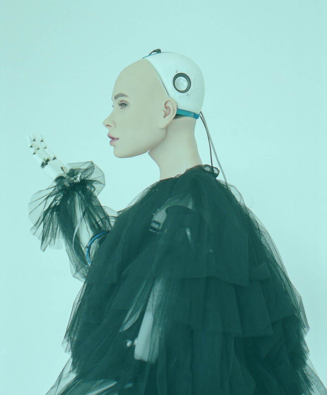 Montecristo Magazine: Uncanny Valley - The boundaries of artificial intelligence and fashion are explored in a collaboration between Sanctuary AI and MONTECRISTO Magazine.MONTECRISTO Magazine. 2019.