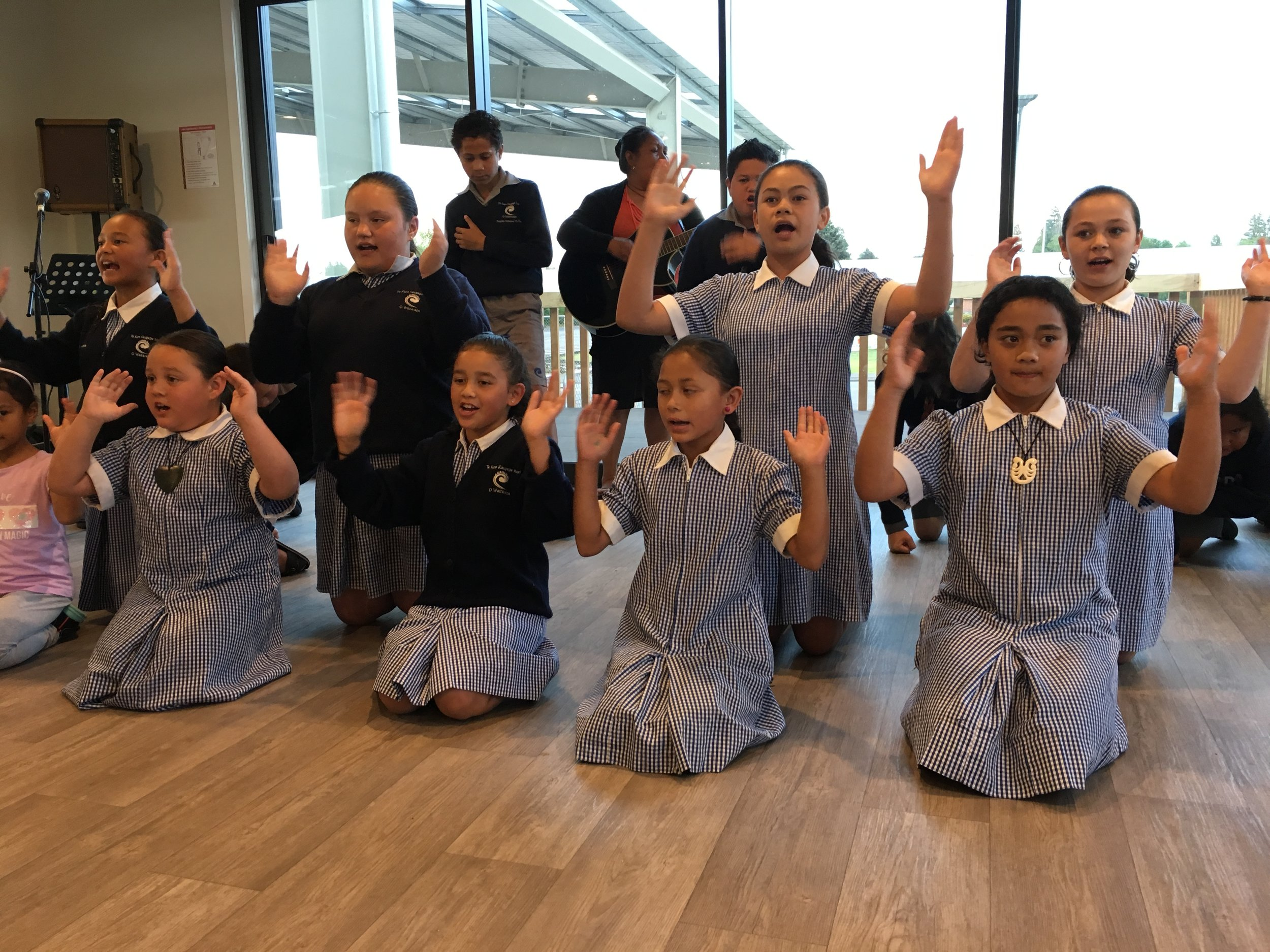 Masterton - A celebration for the Birth of Bahá'u'lláh in the evening included a hangi to which the kapahaka group and their families from the Kura were invited.