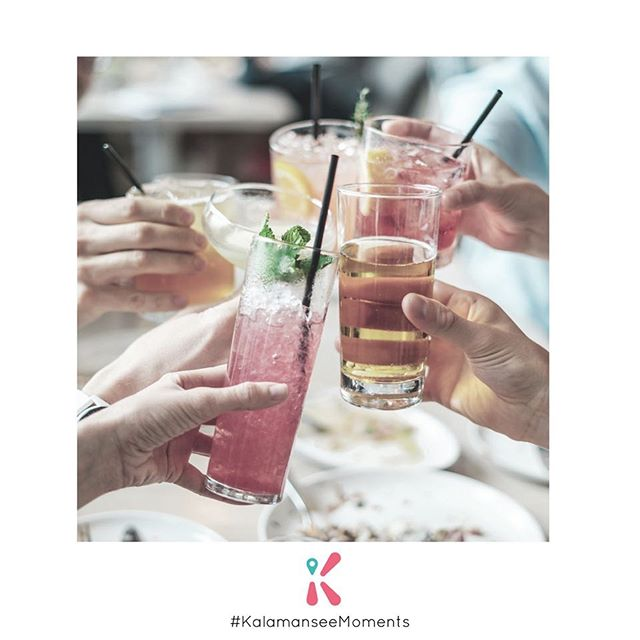 夠鐘Happy hour! 🥂 㩒一個制就有小禮物同你既朋友share啦!🎁 It's drink o'clock 🥂 - Spread the love! Free prezzies to share with your circle are a tap away. 🎁  #KalamanseeMoments ❤️