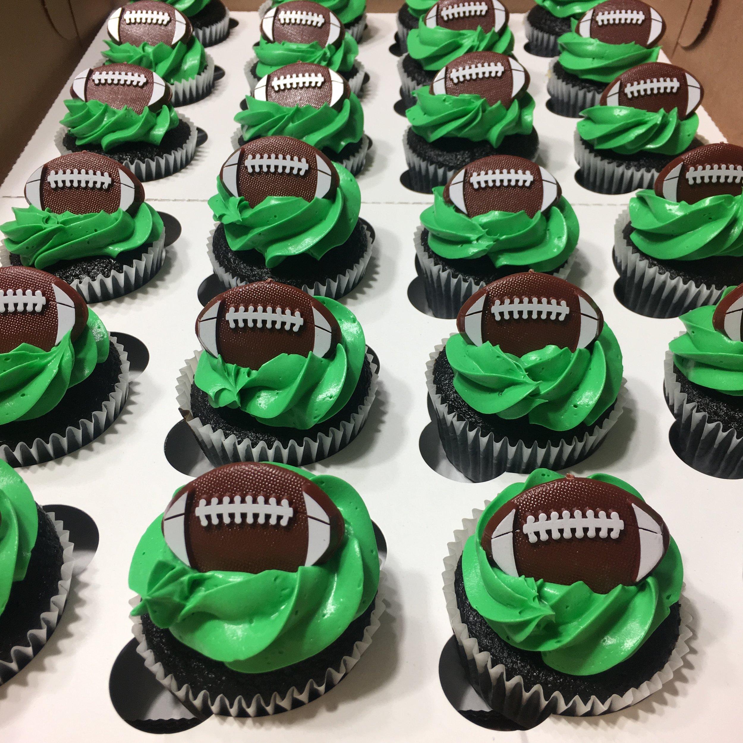 Football Cupcakes .JPG
