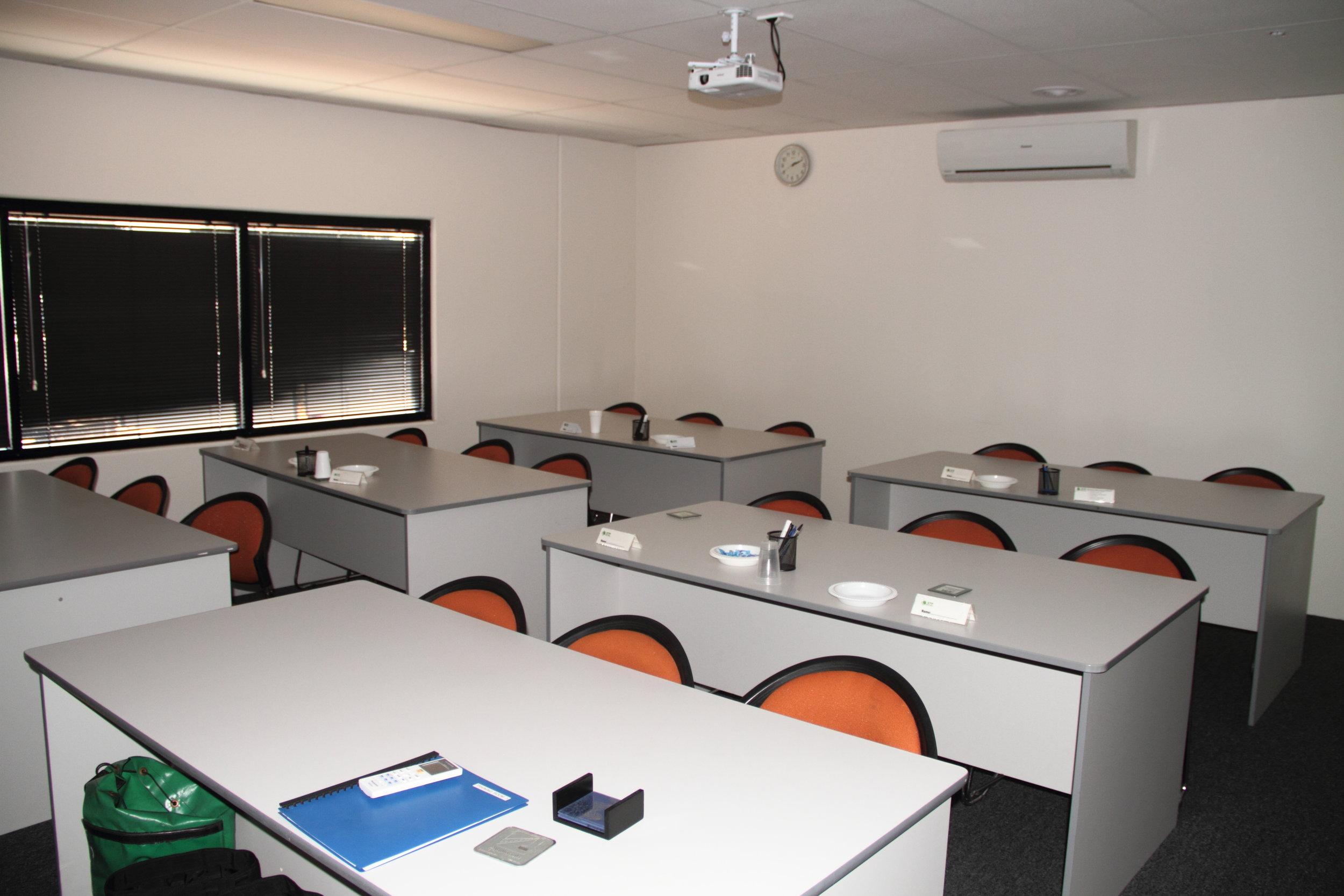 18 seat full size desk Classroom STP.JPG