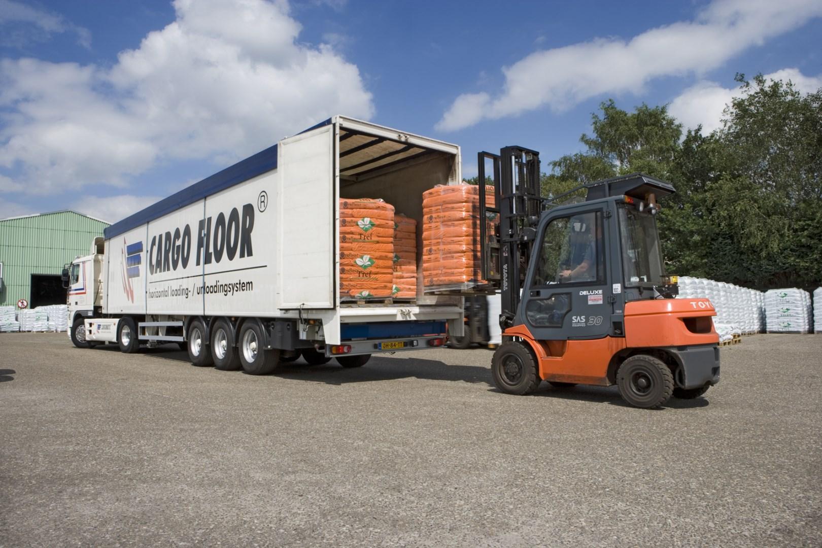 Load Cargo.jpg