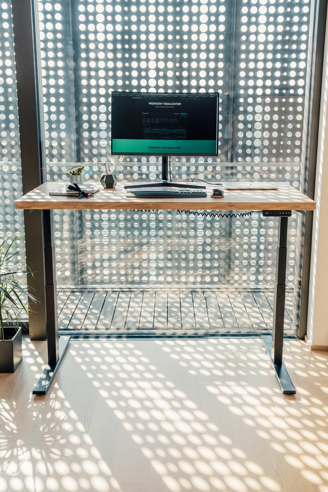 Dvižna pisalna miza Ergochord