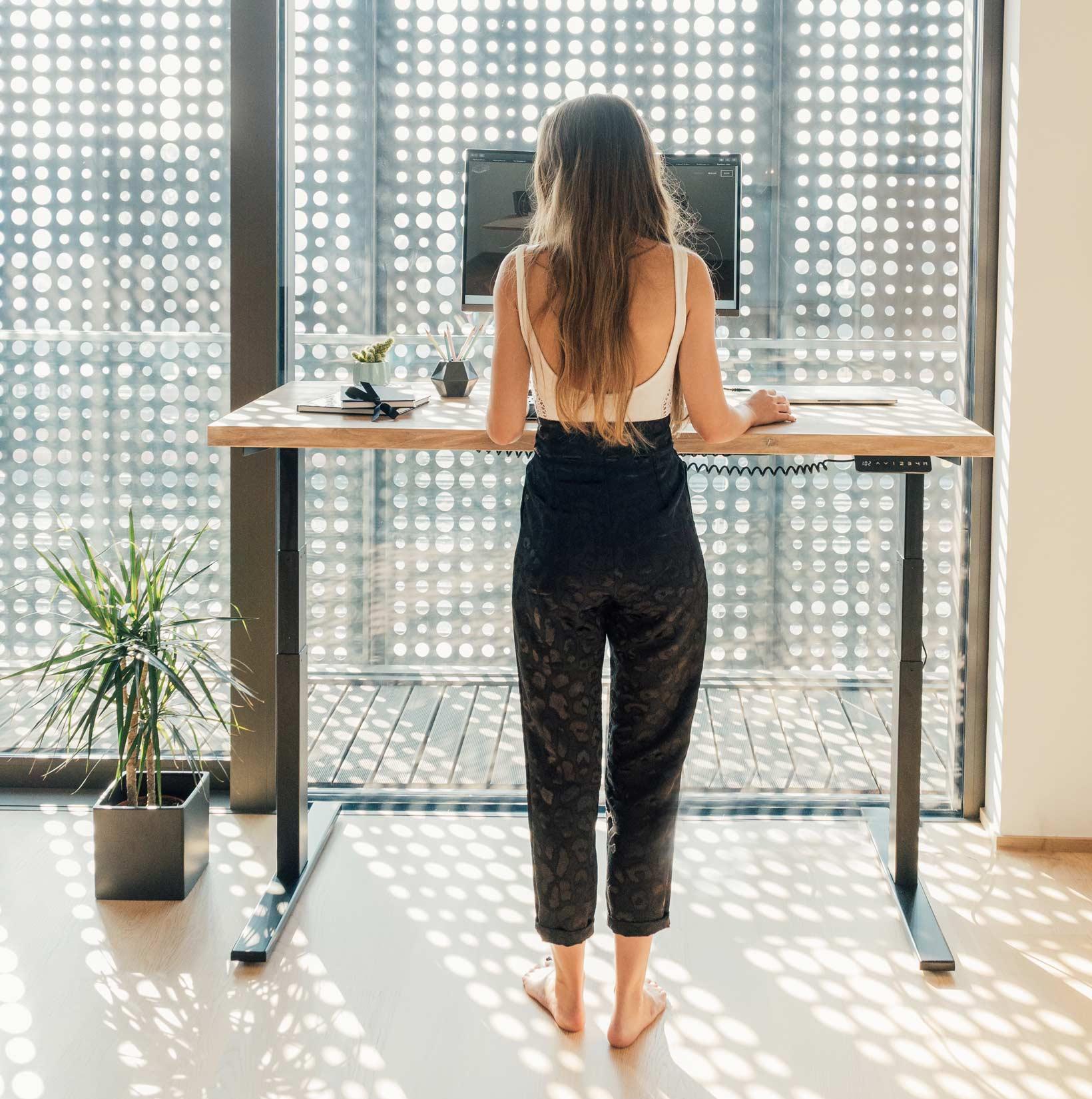 Dvižna pisalna miza - stoječe delo