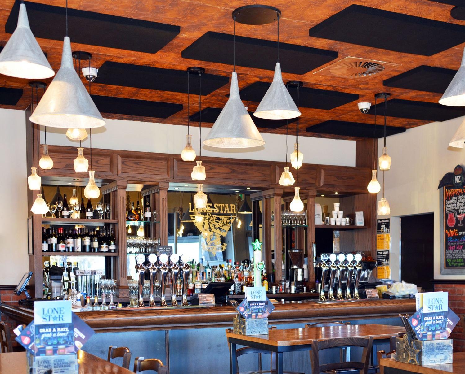 Lone Star Bar & Restaurant