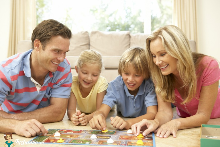 Family-Game-Night-Games.jpg