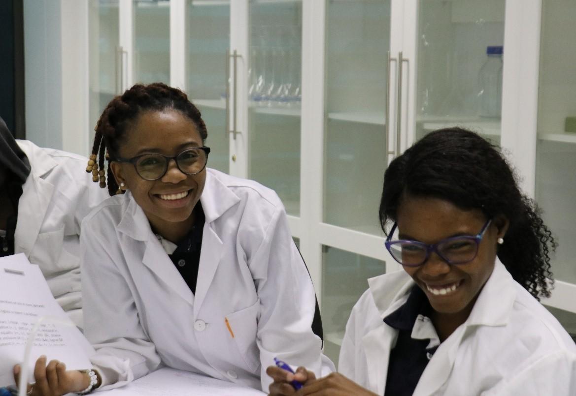 smiling students.jpg