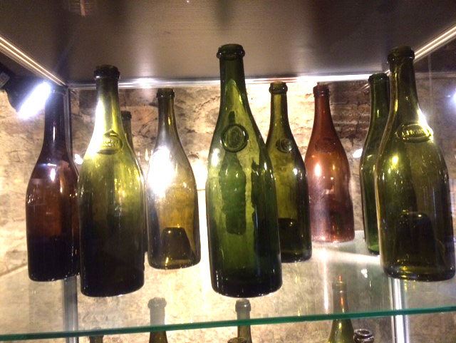 old-wine-bottles-wine-confidante.jpg
