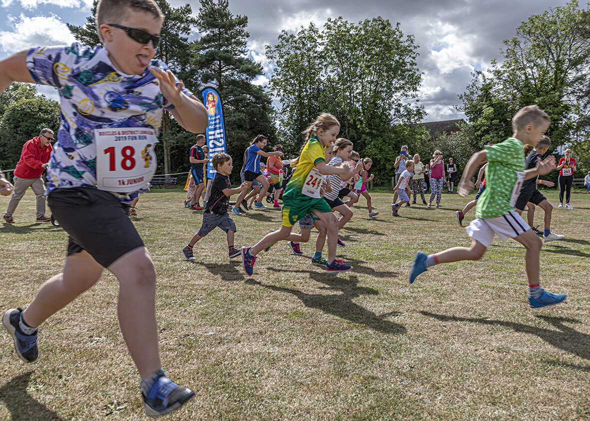 The enthusiastic start to the Junior 1k run.