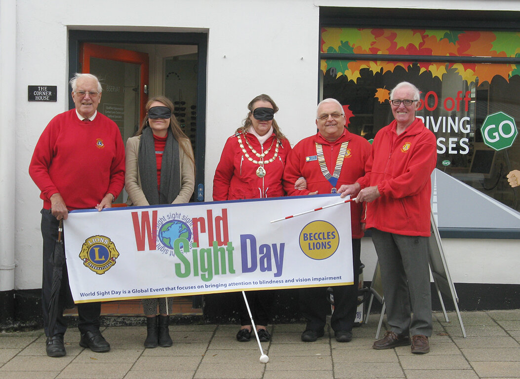 Ready to start the walk - L to R: Lion Geoff Jones, The Observatory's Mornie Weakley, Beccles Mayor Councillor Andrea Downes, Lion President Chris Eglington and Lion Sandy Barr.