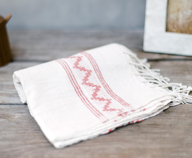 an-inside-crush-subscription-on-trend-home-decor-season-one-cotton-hand-towel.jpg