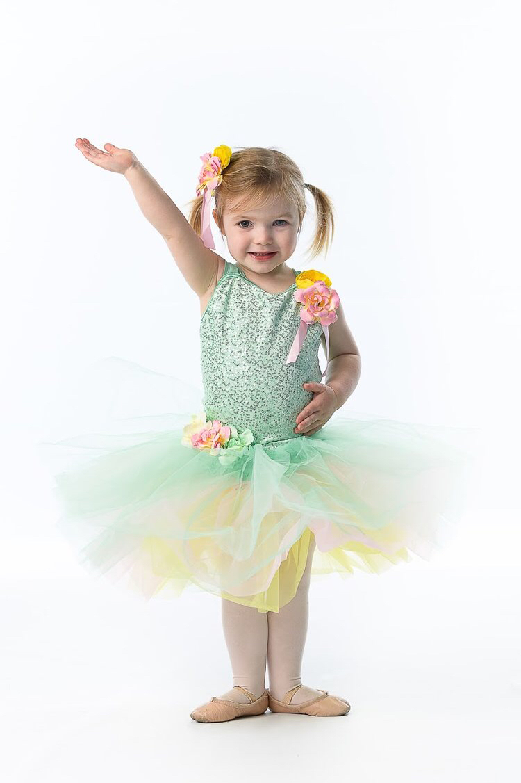 Creative Movement - Ages 2.5-5Monday 3:00-3:45Tuesday 10:30-11:15Tuesday 4:45-5:30Tuesday 5:30-6:15Wednesday 3:30-4:15                     Wednesday 5:30-6:15Thursday 3:30-4:15Thursday 4:15-5:00Saturday 9:00-9:45