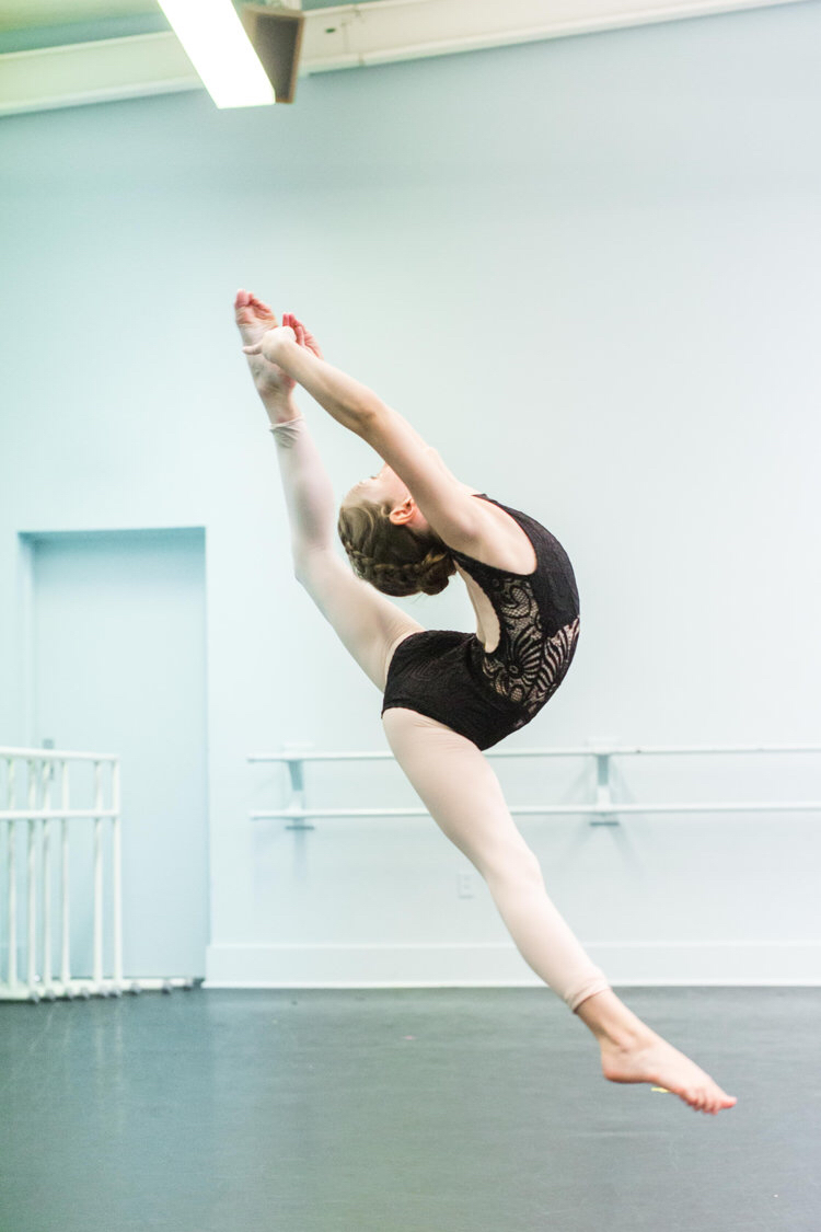 Ages 6-9 - Advanced Petite Ballet, Monday 3:30-4:15Advanced Petite Jazz, Monday 4:15-5:00Petite Company Rehearsal, Monday 5:00-5:30Advanced Mini Ballet, Wednesday 3:30-4:30Advanced Mini Jazz, Monday 4:30-5:30Beginner Hip Hop, Wednesday 5:30-6:15Advanced Junior Contemporary, Thursday 6:30-7:30Beginner Tap, Thursday 5:00-5:45Mini Company Rehearsal, Wednesday 6:15-7:00