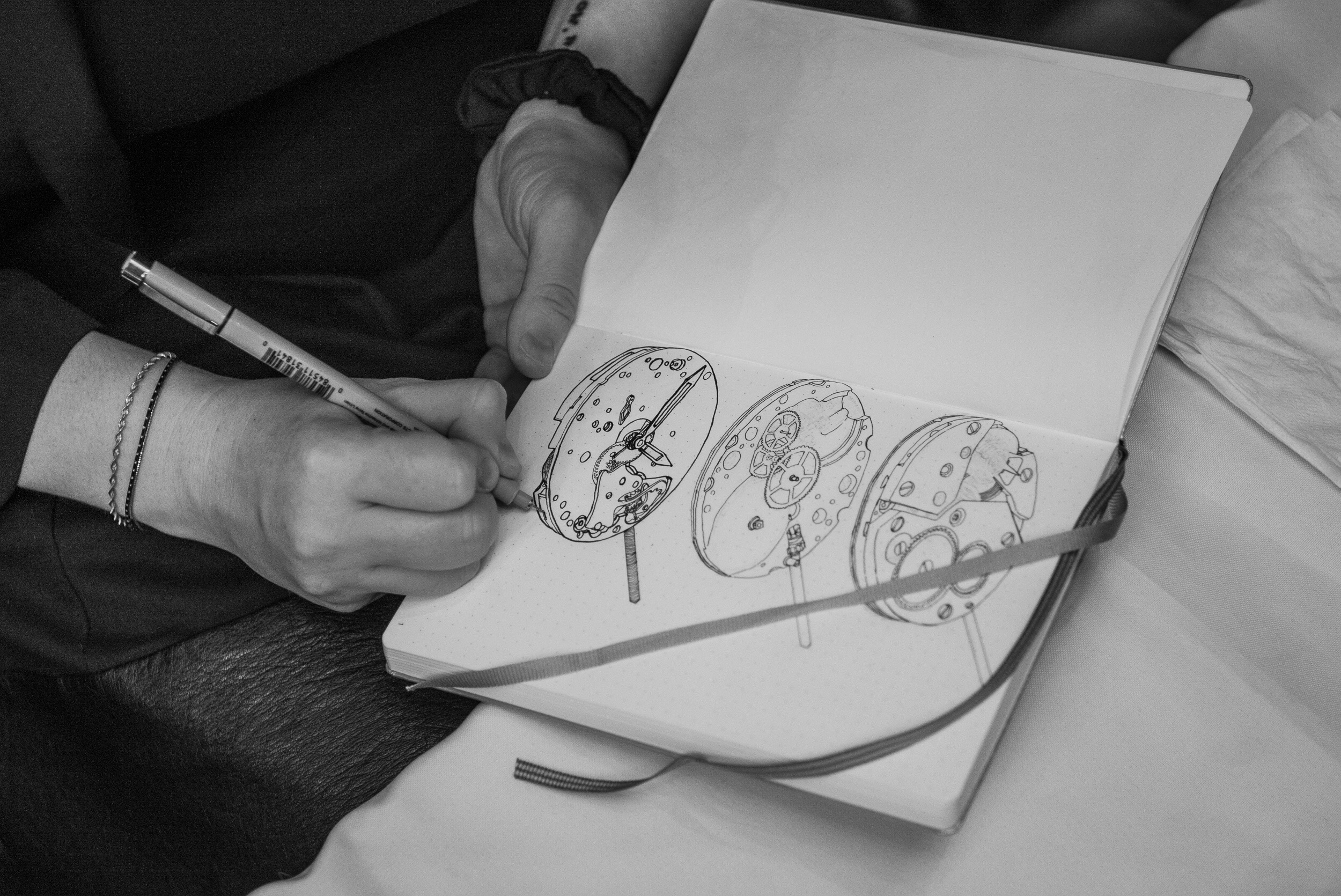 Photo by Atom Moore (NYC RedBar member caught drawing during the event)