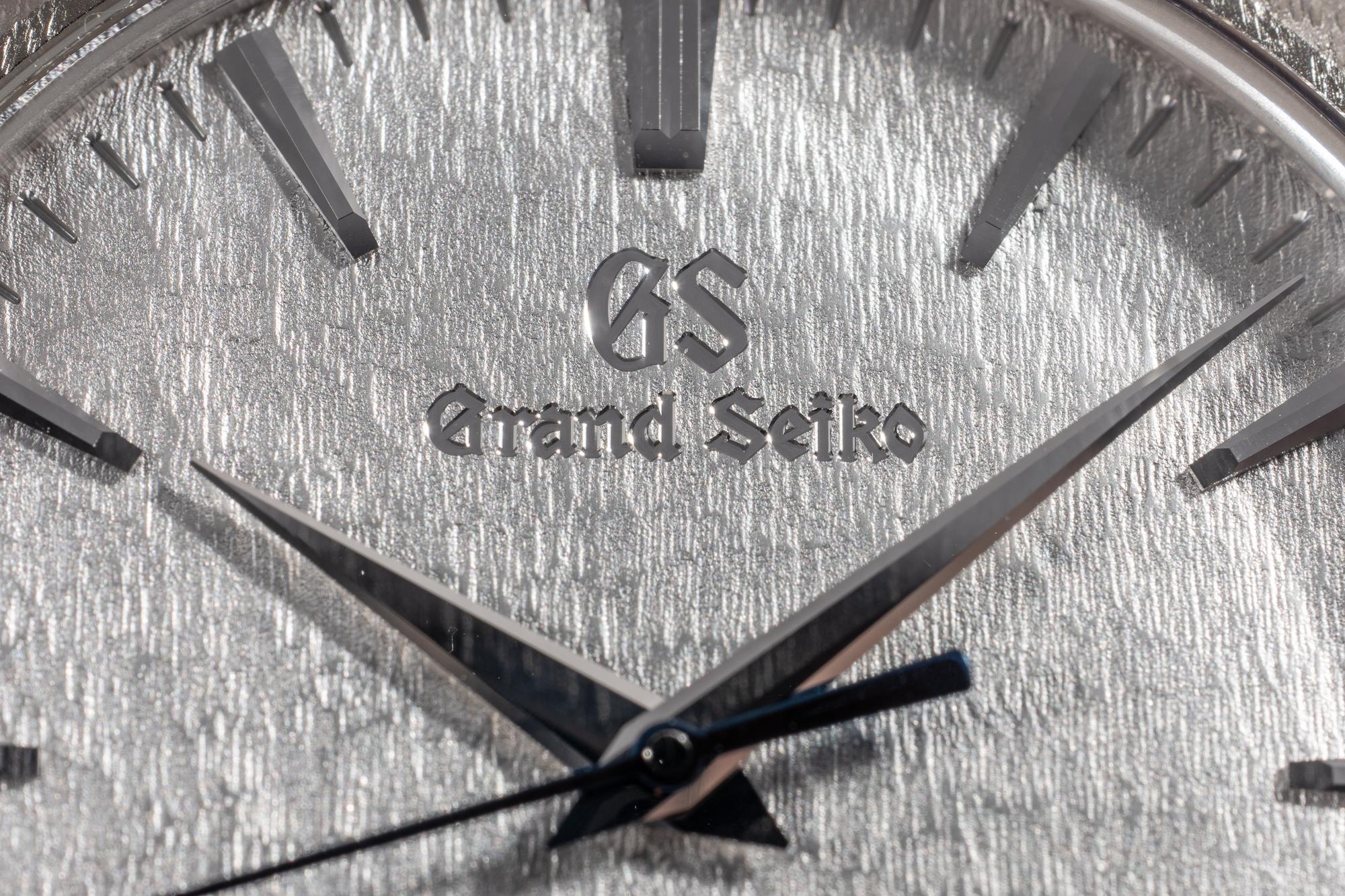Grand_Seiko_9R02_Platinum_Spring_Drive_Detail.jpg