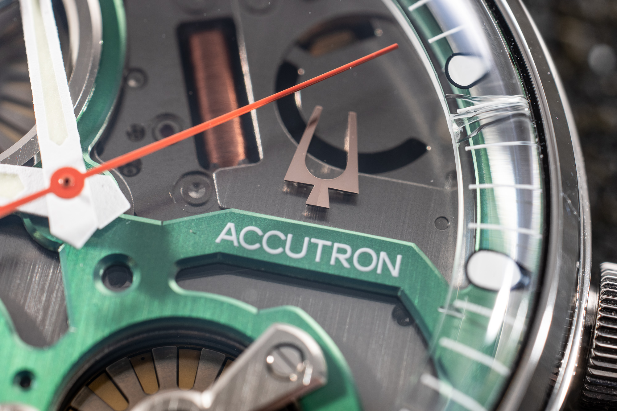 Bulova_Accutron_Electromagnetic_Concept_Detail.jpg