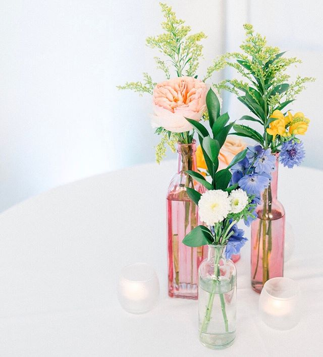 Absolutely love sharing photos from this wedding we had a few weekends ago. All the colors blended together so beautifully and truly lightened up the room 💕⠀⠀⠀⠀⠀⠀⠀⠀⠀ 📷 @nicoleadelephotography  💐 @blackcreekflowers   #weddingflowers #elevateddetails ⠀⠀⠀⠀⠀⠀⠀⠀⠀ .⠀⠀⠀⠀⠀⠀⠀⠀⠀ .⠀⠀⠀⠀⠀⠀⠀⠀⠀ .⠀⠀⠀⠀⠀⠀⠀⠀⠀ @vmfabestcafe  #richmondwedding #Richmondweddings #RVAwedding⠀⠀⠀⠀⠀⠀⠀⠀⠀ #Richmondweddingplanner #RVAweddingplanner #wedding #southernwedding #Virginiawedding #Virginiaweddingplanner #vawedding #vaweddingplanner