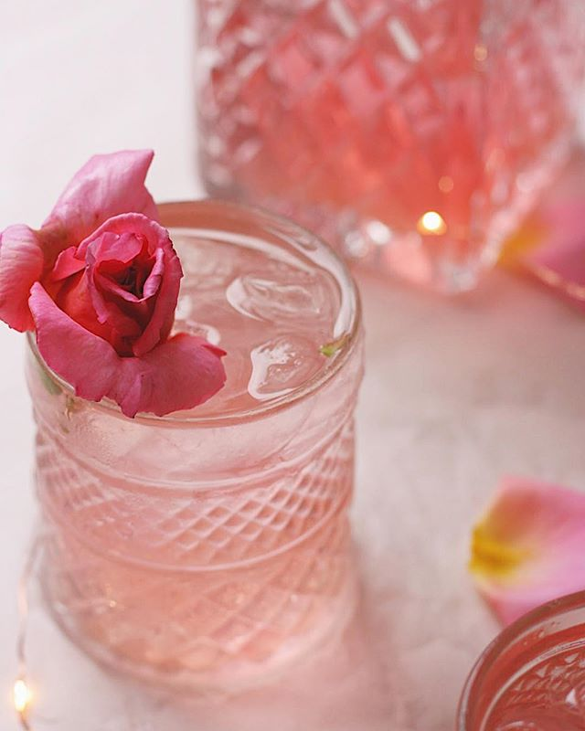 🌿// S L O W  L I V I N G //🌿 I've just starting making up a big batch of Hibiscus and Rose ice tea for tonight's event. . . A little different from my usual supper clubs as I'm collaborating with @slowyogaclub for a chilled evening of yoga, self love and good company, and plenty of food. . . I'm hoping it will be the beginning of a whole series of events like this in North Yorkshire. Good food and quirky locations, and a bit of yoga. What's not to love? . . Tonight's event sold out pretty quick, but sign up to my newsletter on my website to stay up to date x . . . . #vegetarianblogger #creativebusiness #hibiscustea #rosetea #yogasupper #yogaevents #northyorkshireyoga #livecolorfully #f52 #cocktailstyling #localbusiness #girlboss #liveslowly #slowliving #supperclub #vegetariansupperclub #veggiecatering #northyorkshirecatering #teaandatoast