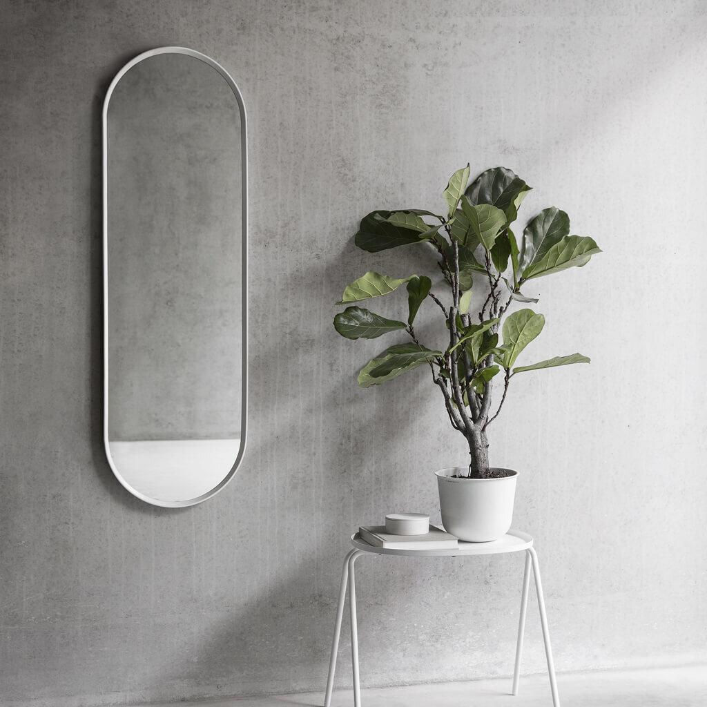 Menu_Norm Oval Mirror white long plant_web.jpg